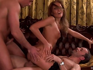 Hardcore MMF triplet with Lauryn May who swallows all the cum