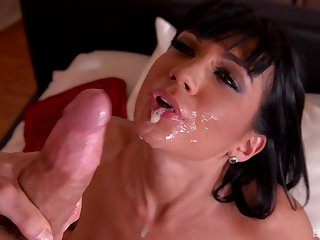Busty Valentina Ricci gets cum not far from mouth chit r�le for dessert