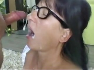 Horny German Amateur wife gets cum in mouth