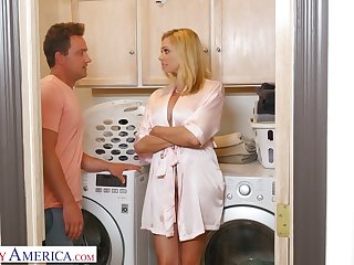 Stepson can't resist fucking super down in the mouth slutty mommy Briana Banks