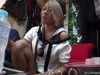 Never - ending orgasm is everything that Natsume Mari wants today