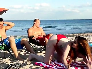Mama fucks boss' comrade's little one threesome xxx Beach