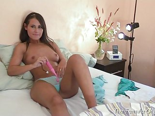 Young Jess West Has Long Contracting Orgasm From Her Vibe toy