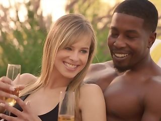 Cheating spouse luvs seeing his wifey fellating outrageous sausage encircling bi-racial threeway pornvideo