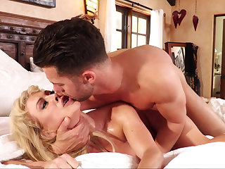Stepson cums throughout over his mommy