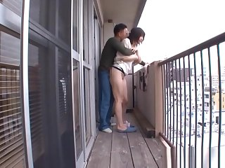 Kinky Aneri enjoys sucking it hard